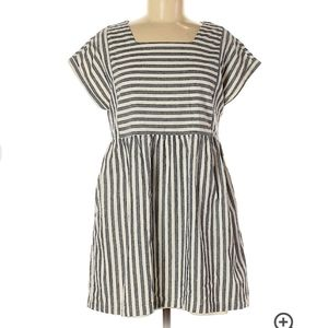 Listicle short sleeve stripe dress